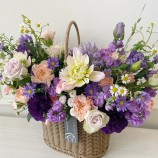 [부산당일꽃배달]보라향기꽃 가득 라탄 6월꽃바구니12호